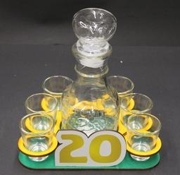 """Mažas grafinas su stikliukais """"20"""""""